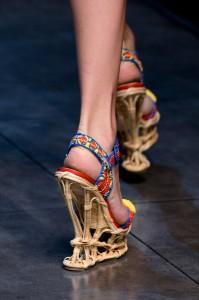 Dolce+Gabbana+Spring+2013+Details+TGAHWXus04ql