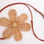 Medaglione fiore intrecciato dettaglio